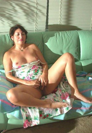 Gatienne high class escort in Oftersheim